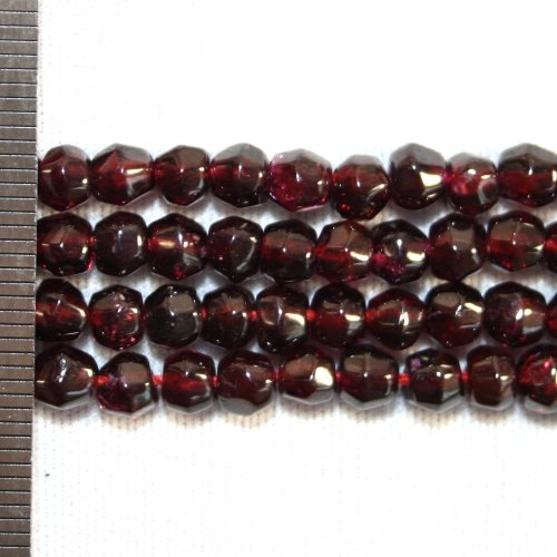 Garnet Faceted Round 5mm
