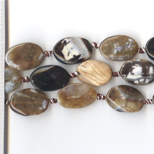 Agate Brown & White Oval with Twist 20x30mm