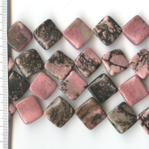 Rhodonite Square with Twist 16mm